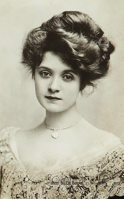 1910S-Hairstyles-a-good-hairstyle-xTVV - Timeless Beauty